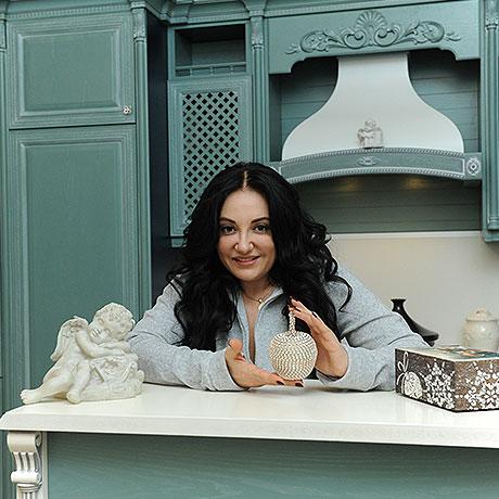Необычное оформление необычного дома Фатимы Хадуевой